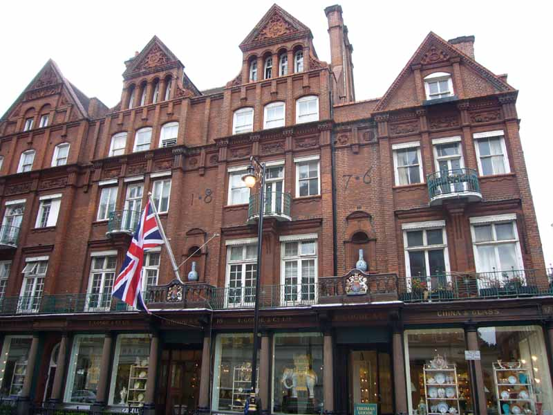 london_building_aw230607_3258